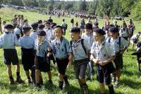 les-300-a-400-louveteaux-eclaireurs-routiers-et-guides-scouts-d-europe-ont-effectue-aujourd-hui-a.jpg